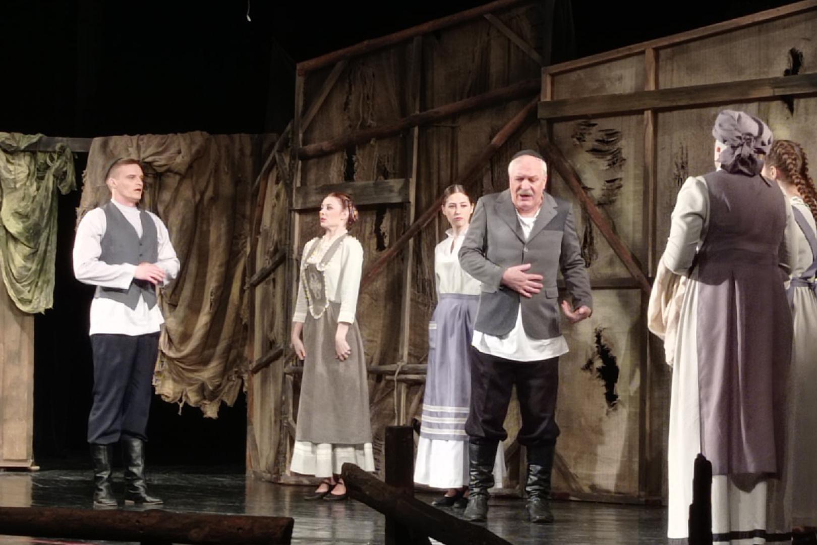 Сегодня художественный совет театра принял спектакль «Поминальная молитва»